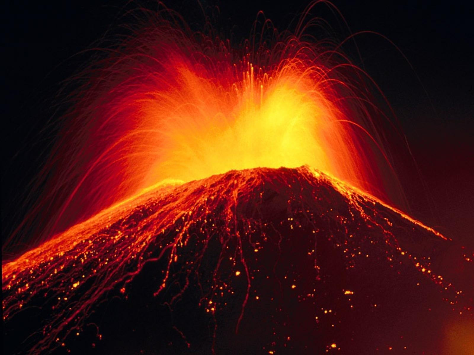 Fish Tank Ornament LED Erupting Volcano